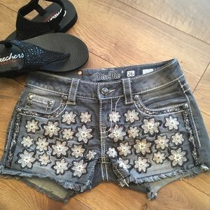 MISS ME DAISEY SHORTS